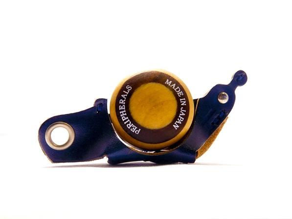 寄木細工の技巧とレザークラフトで作った カタツムリ型のインテリア雑貨。