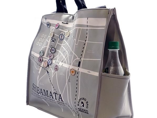 柴又地図のトートバッグとピクトグラムのピンバッジ。